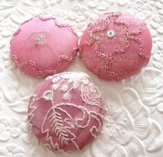Pink fabric covered buttons by oldrose Button Art, Button Crafts, Fabric Covered Button, Covered Buttons, Mode Rose, Textiles, Everything Pink, Vintage Buttons, Metal Buttons