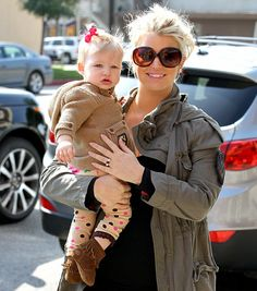 Pregnant Jessica Simpson steps out for lunch at Don Cuco Mexican Restaurant in Studio City with her daughter Maxwell on February 18, 2013.