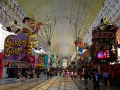 Travel.Food.Film: 5 Things Not To Miss On Fremont Street