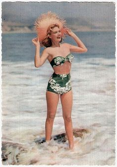1940-50's Vintage floral two-piece bathing suit / swimsuit. Cutest photo ever! Women's vintage summer swimwear fashion photography photo image
