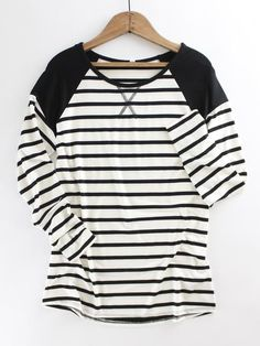 Contrasting Long Sleeve Striped Tee. Basic long sleeve striped tee. Black long sleeve striped tee. Layering piece.  Spring style. Spring trend. Spring outfit inspo. New arrivals at therollinj.com.