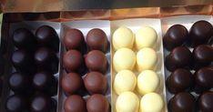 Gyerekkori favoritunk: Retró négercsók | Femcafe Hungarian Desserts, Torte Cake, Condensed Milk, Ale, Deserts, Food And Drink, Sweets, Cookies, Chocolate