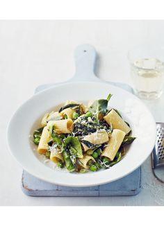 Supergreen pasta with pecorino.