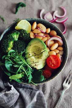 An Effortless Weekday Lunch: Nourishing Veggie Bowls