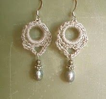 Never knew so many pretty crochet jewlery patterns were out there..and I don't really wear jewlery..but I might start!