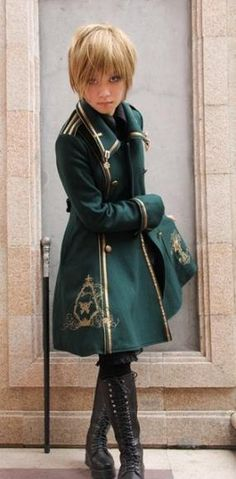 Green is a pretty uncommon color in lolita and ouji. Love this!
