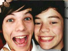 """drop the softest larry pics you have below please"" Niall E Harry, Zayn, Louis Y Harry, Four One Direction, One Direction Pictures, One Direction Memes, Larry Stylinson, Fetus Harry Styles, Harry Edward Styles"