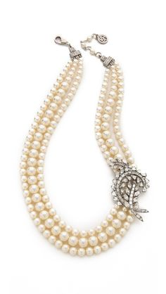 Pin diamanté  brooch to pearl necklace make necklace