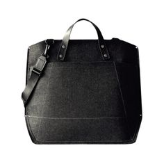 I need this beauty in my life! Black leather laptop case. Perfect for school!