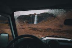 seljalandsfoss, by Tim Trad | Unsplash