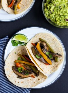 Portabella Mushroom Fajitas | 17 recipes that swap mushrooms for meat (with delicious results!) | ohmyveggies.com