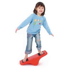Mit der Weplay Balancewippe kann der Gleichgewichtssinn spielend leicht geübt werden.