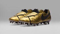 Nike Tiempo Legend 6 Totti x Roma