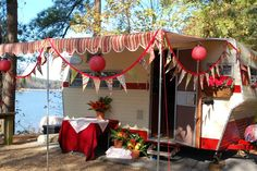I am in love with this Shasta Camper!