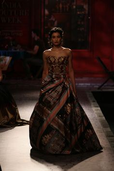 Wedding Show Archives Indian Gowns, Indian Wear, Vogue Wedding, Vogue India, Wedding Show, Indian Couture, Couture Week, Bridal Collection, Indian Fashion