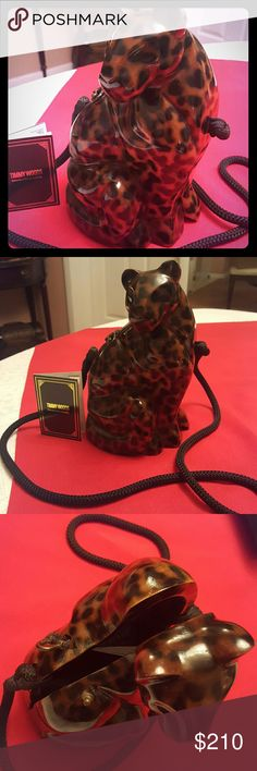 TIMMY WOODS PURSE Timmy woods Beverly Hills Collection, hand made from acacia wood, small inside pocket, excellent condition   elastic U lock closure, Drop in shoulders strap, Very unique piece!!! Timmy Woods Bags Clutches & Wristlets