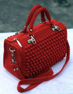 bolso rojo 1