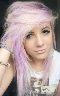 I wish I could pull off hair like this! This is a funky and fun color!