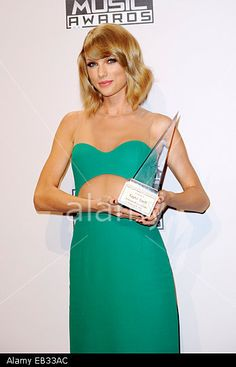 Taylor Swift attends the 42nd Annual American Music Awards at Nokia Theatre L.A. Live on November 23, 2014 in Los Angeles, California © dpa picture alliance / Alamy