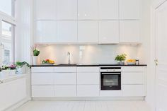 white and bright kitchen - Hemnet Inspiration