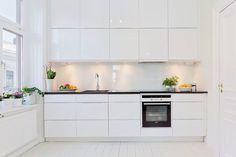 white and bright kitchen - Hemnet Inspiration