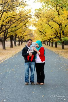 {Family Portraits} Outdoor family session. Autumn backdrop.  Governor General's Driveway.