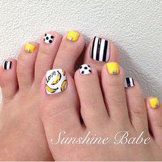 Pedicure, Toe Nail Art - white, yellow, black design, bananas, stripes, dots