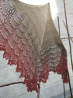 Ravelry: Harpes Holden Shawlette #knit #free_pattern