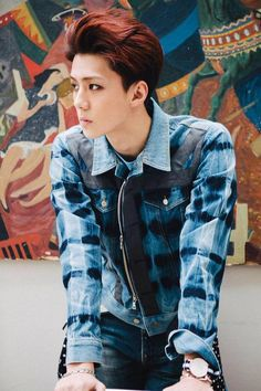 Yes Sehun looks nice and all but that shirt is AMAZING.