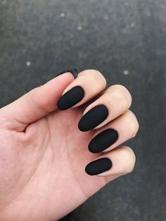 34 Trendy nails acrilico unicornio - Black Nail Art Tips - Nageldesign Black Almond Nails, Matte Black Nails, Dark Nails, Black Manicure, Nails Ideias, Cute Nails, Pretty Nails, Hair And Nails, My Nails