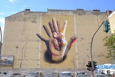 Unter-Der-Hand-Street-Art-by-Case-in-Berlin-Germany