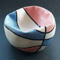 i love the creativity! It so realistic it actually looks like a deflated basketball.