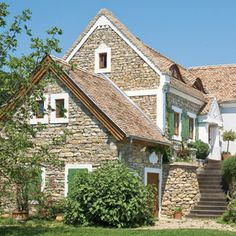 Hungarian house Cottage Homes, Cottage Style, Rural House, Heart Of Europe, Weekend House, European Home Decor, Eastern Europe, Hungary, Tiny House
