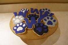 University of Washington Husky Cookies by SkifferDoodles on Etsy Grad Parties, Holiday Parties, Uw Huskies, Graduation Cookies, University Of Washington, Cookie Ideas, Bake Sale, Cookie Decorating, Cookie Cutters