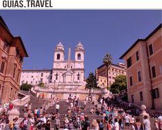 La escalinata de #PiazzaSpagna  y en lo alto la Iglesia #TrinitàDeiMonti, uno de los rincones más bonitos para #visitar  en #Roma. http://www.viajararoma.com/?page=monumentosplazaespana.php
