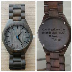 grabado reloj de madera regalo de día de San Valentín reloj