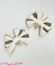 Lily Emblem Combs