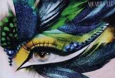 Amazing feathered eye makeup