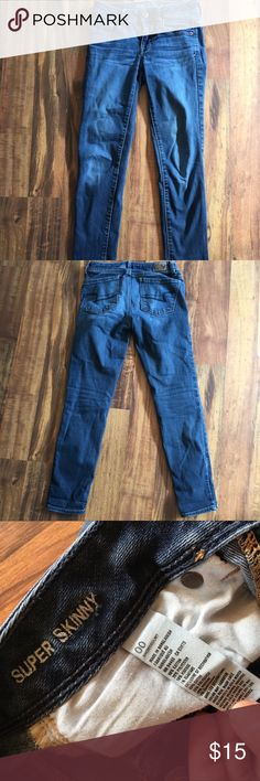 American Eagle Skinny Jeans Dark wash super skinny jeans size 00 short! Nothing wrong and in great condition! Feel free to offer using the offer button! American Eagle Outfitters Jeans Skinny