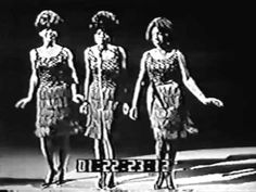 """The Supremes """"Come See About Me"""" Live on Shindig 1964 .. Love there outfits, there coordination is perfect!"""