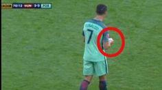 Bei der EM 2016 war die Zettelübergabe an Cristiano Ronaldo eine Szene, die die Twitter-User beschäftigt. Sie spekulieren ziemlich lustig über die ...