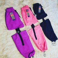 Medusa Indumentaria Cute Swag Outfits, Cute Comfy Outfits, Sporty Outfits, Retro Outfits, Kpop Fashion Outfits, Girls Fashion Clothes, Korean Outfits, Fashion Pants, Cute Sweatpants