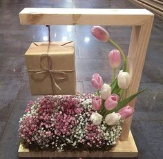 [New] The Best Home Decor (with Pictures) These are the 10 best home decor today. According to home decor experts, the 10 all-time best home decor. Flower Box Gift, Flower Boxes, Flower Decorations, Wedding Decorations, Gift Wraping, Gift Hampers, Creative Gifts, Flower Designs, Paper Flowers