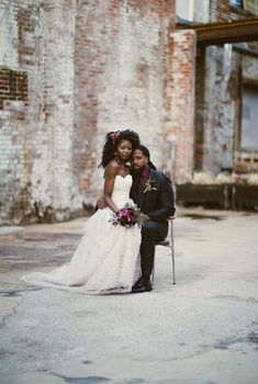 12 Stunning Natural Brides with Twist Outs - 12 Stunning Natural Brides with Twistouts. Twist out Best Picture For hair peinados For Your Tast - Trendy Wedding, Wedding Styles, Dream Wedding, Wedding Day, Wedding Colors, Wedding Stuff, Couple Noir, Black Wedding Hairstyles, Bridesmaid Hairstyles