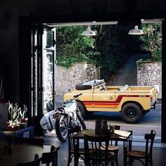 Land Rover (Series & Defenders) and more stuff I like. Defender 90, Land Rover Defender, Offroad, 4x4, Bicycle Decor, Camper, Surf Trip, Custom Cars, Vintage Cars