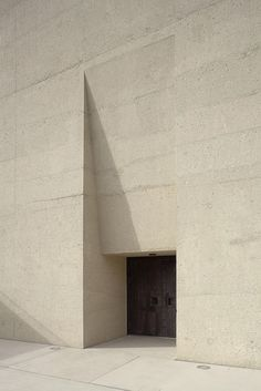 Gallery of The State Museum of Egyptian Art and The University of Film and Television/ Peter Böhm Architekten – 11 - Architecture Decor Concrete Architecture, Modern Architecture Design, Museum Architecture, Minimalist Architecture, Facade Design, Facade Architecture, Neoclassical Architecture, Architecture Interiors, Egyptian Art