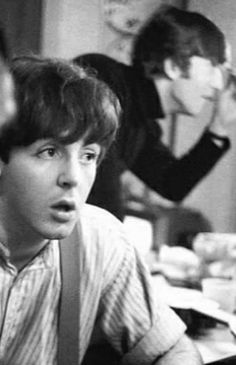 Paul Mccartney Young, Lennon And Mccartney, 80s Aesthetic, The Beatles, Besties, Kawaii, Wallpaper, Dreams, Instruments