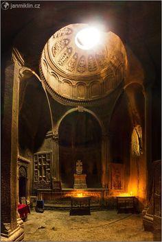 klášter Geghard, Armenia