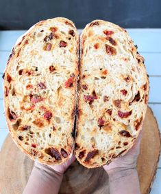 Sun Dried Tomato and Parmesan Sourdough Bread - Zesty South Indian Kitchen Artisan Bread Recipes, Sourdough Recipes, Banana Bread Recipes, Sun Dried Tomato Bread, Dried Tomatoes, Bagels, Pain Artisanal, Tortillas, Ma Baker