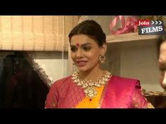 Sara Loren - Launches of Renowned Vedaa Contemporary Weaves